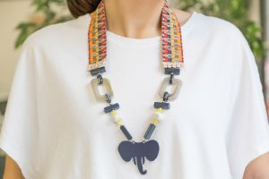 collar-cinta-étnica-resinas-elefante-bisuteria-verano-personalizada1