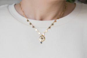 collar-corto-cadena-estrellas-moneda-chapa-inicial-nacar-jade-facetado1