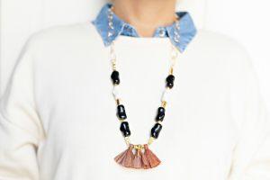 collar-largo-resinas-cadena-eslabon-ovalado-borala-rafia-libelula-marron-negro-blanco-dorado-bisuteria-personalizada-abalorios3