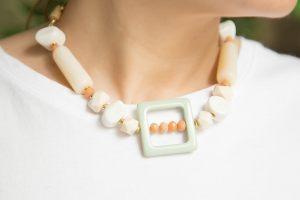 collar-resinas-facetadas-verde-teja-antelina-bisuteria1