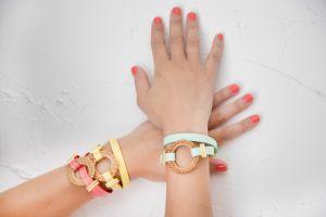 pulseras-aro-bambu-cuero-plano-doble-vuelta-colore-verano-bisuteria-personalizada