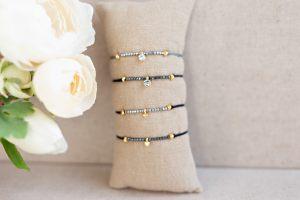 pulseras-minimalistas-strass-hilo-abalorios-hazlo-tu-misma-bisuteria-personalizada2