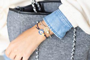 pulseras-pulsera-personalizada-elastica-goma-abalorios-colgante-coenctor-esmaltado-mano-coral-azul-abalorios-bisuteria